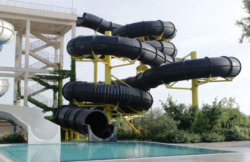 «Черная дыра и Кольцо Астероидов» горки в аквапарке Бердянска